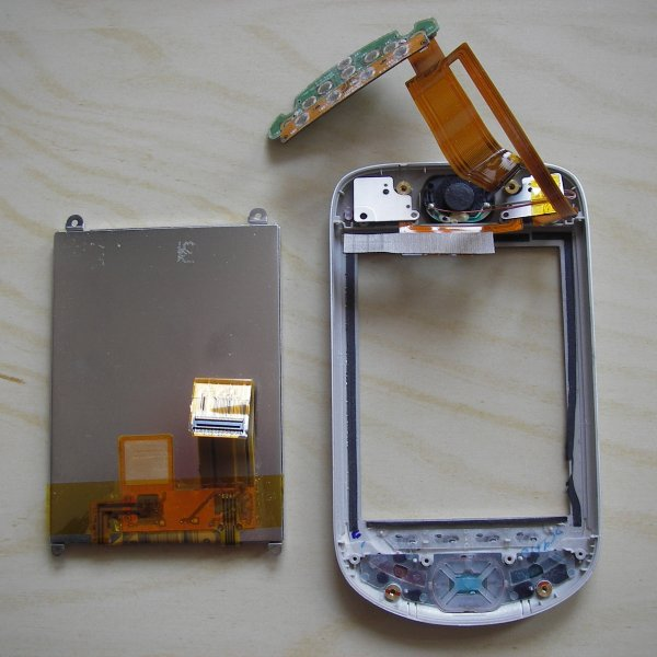 Disassembling an MDA 3 (HTC Blue Angel)